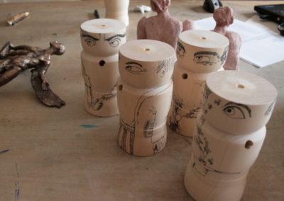 Limitierte Barfußkönige entstehen im Atelier des Künstlers.